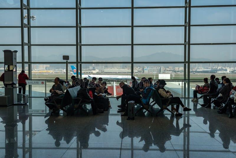 Salon de départ, aéroport international de Shenzhen, Chine photographie stock libre de droits