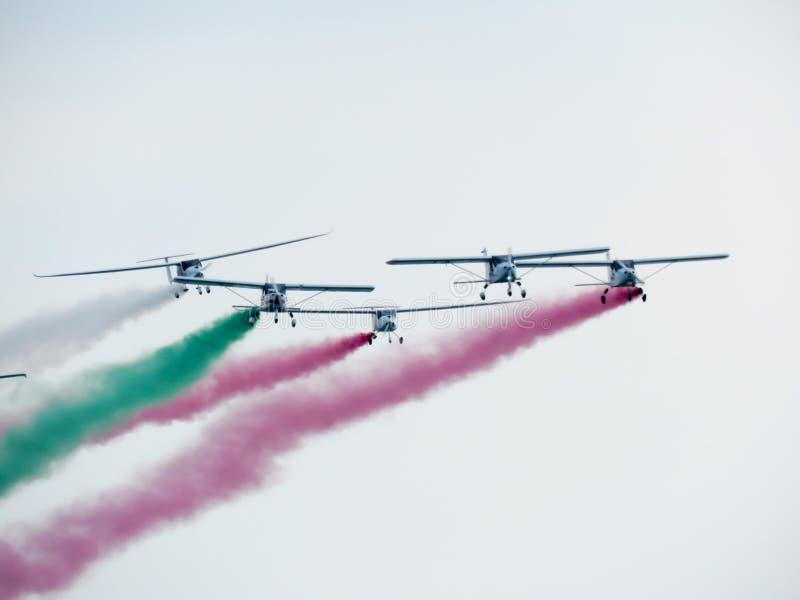 Download Salon De L'aéronautique Tricolore De Flèches Tirrenia, Pise, Italie, Le 11 Septembre, 2 Image stock - Image du rendement, vitesse: 77156303