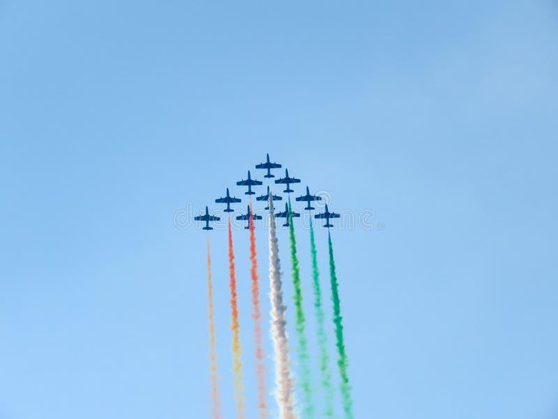 Download Salon De L'aéronautique Tricolore De Flèches Tirrenia, Pise, Italie, Le 11 Septembre, 2 Photo éditorial - Image du vitesse, formation: 77159971
