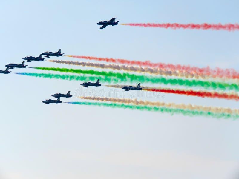 Download Salon De L'aéronautique Tricolore De Flèches Tirrenia, Pise, Italie, Le 11 Septembre, 2 Photo éditorial - Image du équipe, rapide: 77160466