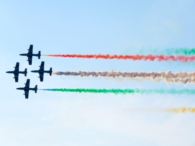 Download Salon De L'aéronautique Tricolore De Flèches Tirrenia, Pise, Italie, Le 11 Septembre, 2 Photographie éditorial - Image du exposition, vitesse: 77161152