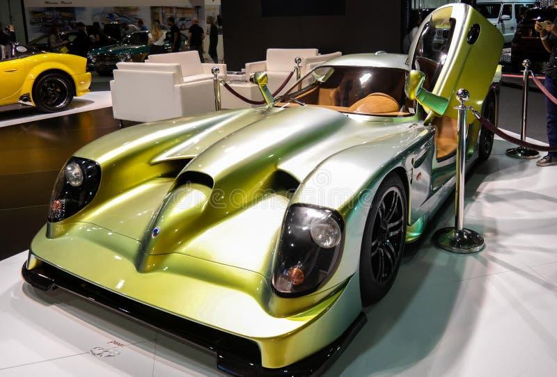 Salon de l'Automobile de Dubaï, voiture hyper rare montrée images stock