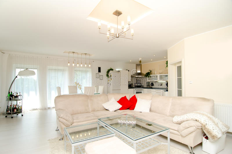 salon de luxe moderne image stock image du lumineux 32016205. Black Bedroom Furniture Sets. Home Design Ideas