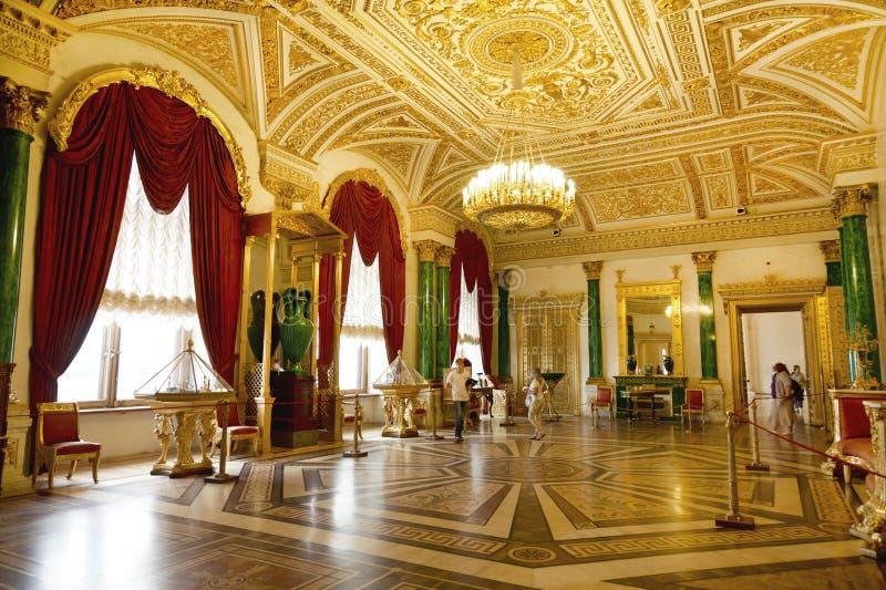 Salon intérieur de malachite - chambres privées de l'impératrice russe Alexandra Feodorovna image stock