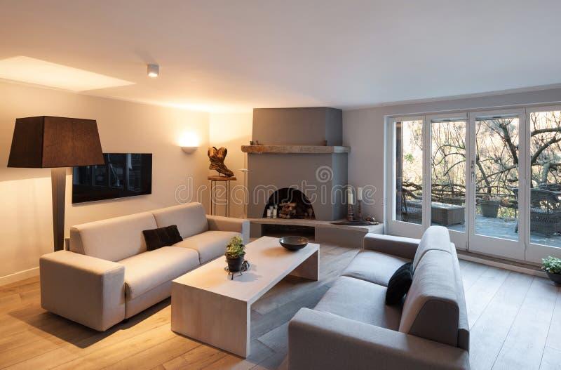 Salon intérieur et confortable photographie stock libre de droits