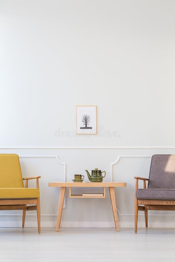 Salon jaune et gris photographie stock