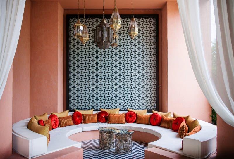 Salon marocain de style, décoration marocaine photographie stock