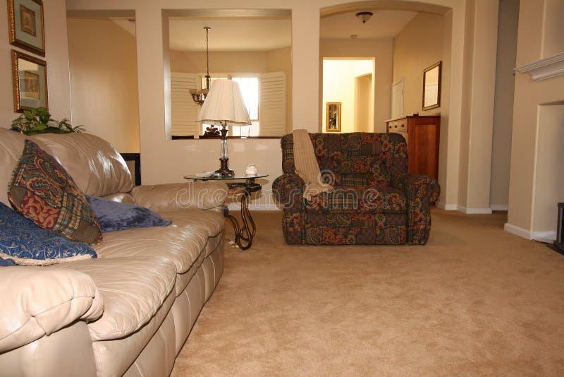salone in casa moderna fotografia stock immagine di roomy