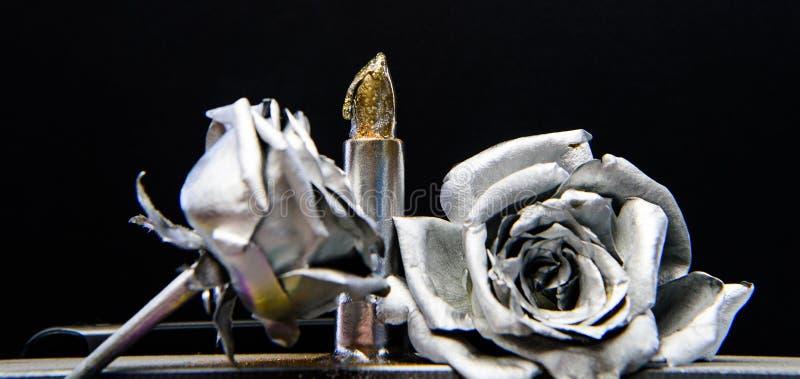 Salone di bellezza Rossetto metallico di fascino Retro progettazione d'annata ricchezza e ricchezza modo di bellezza di lerciume  fotografia stock libera da diritti
