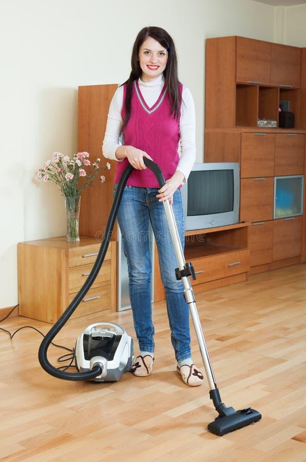 Download Salone Di Pulizia Della Donna Fotografia Stock - Immagine di housework, ragazza: 56892822