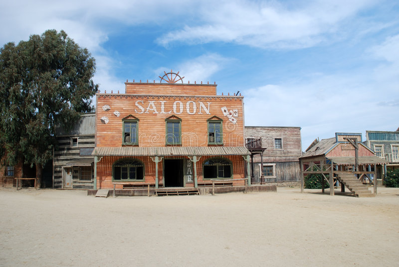 Salone e gallow in una città americana immagini stock