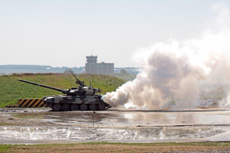 Salone militare internazionale immagini stock