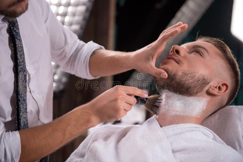 Salone professionale di lavoro di parrucchiere fotografia stock