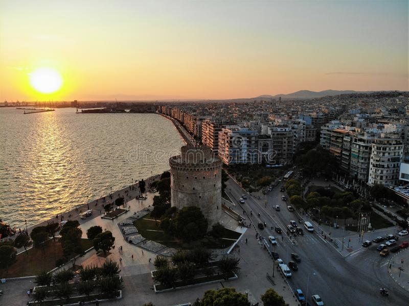 Saloniki bielu centrum miasta pobliski wierza przy wieczór obraz royalty free