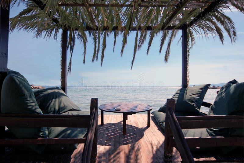Salotti sulla spiaggia immagine stock