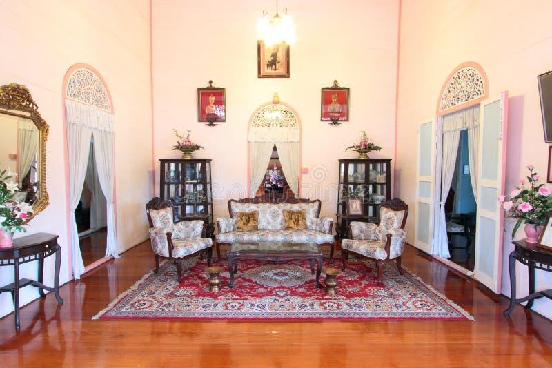 Salotto della casa da stile coloniale tailandia immagine - Casa stile coloniale ...