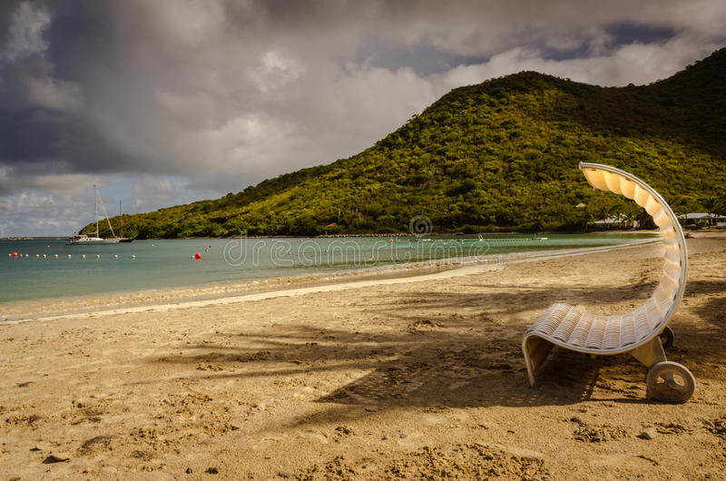 Salotto insolito della spiaggia - St Martin immagini stock libere da diritti