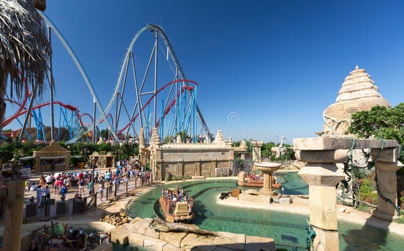 Salou espagne 26 ao t 2014 port aventura de parc d - Parc d attraction espagne port aventura ...