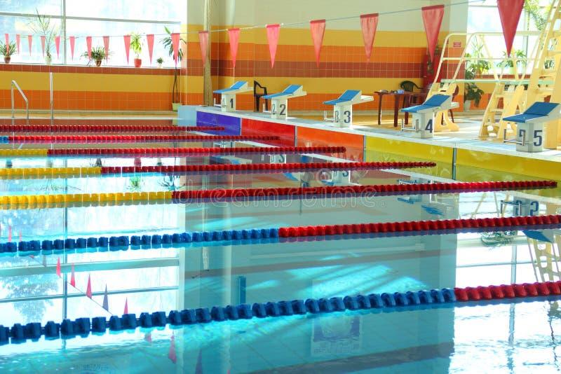Salowy Pływacki basen. Nikt zdjęcia royalty free