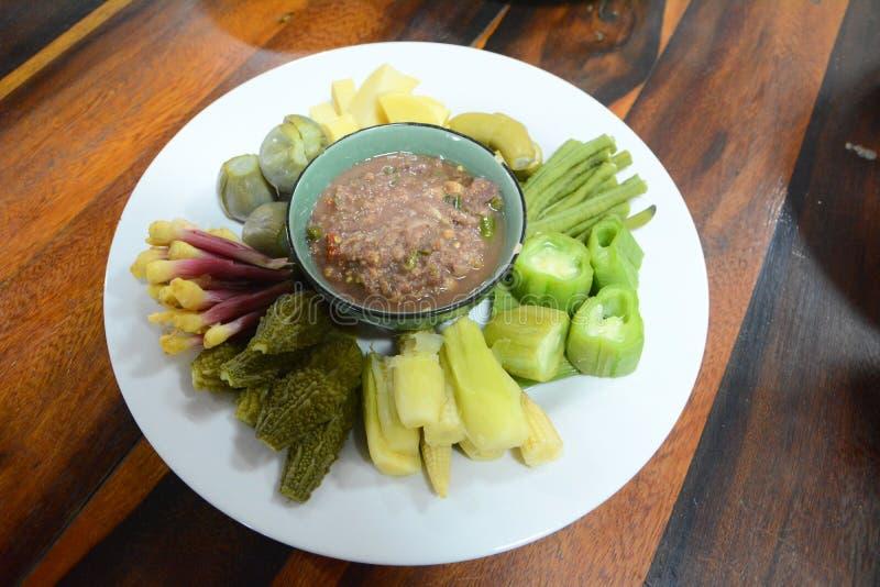 salsa de la Camarón-goma con las verduras fotografía de archivo libre de regalías