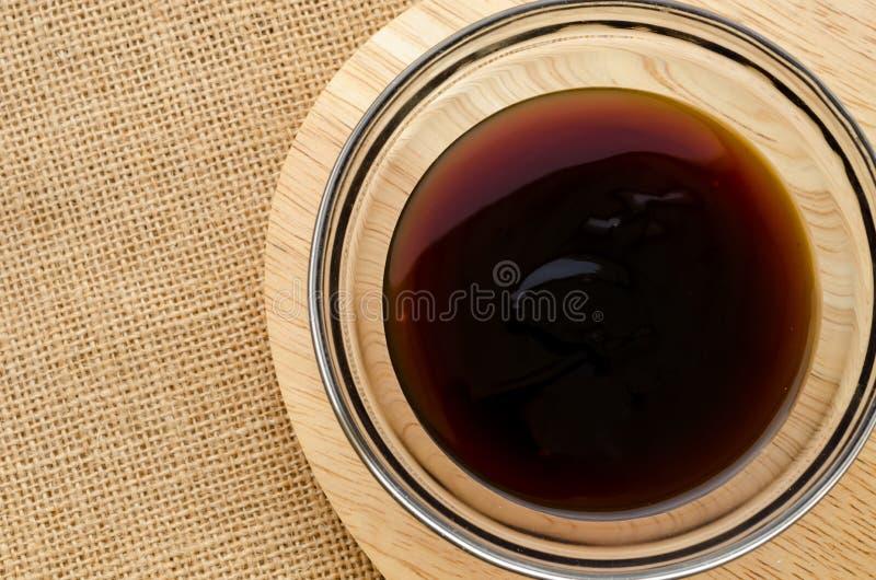 Salsa dell'ostrica in ciotola di vetro fotografia stock