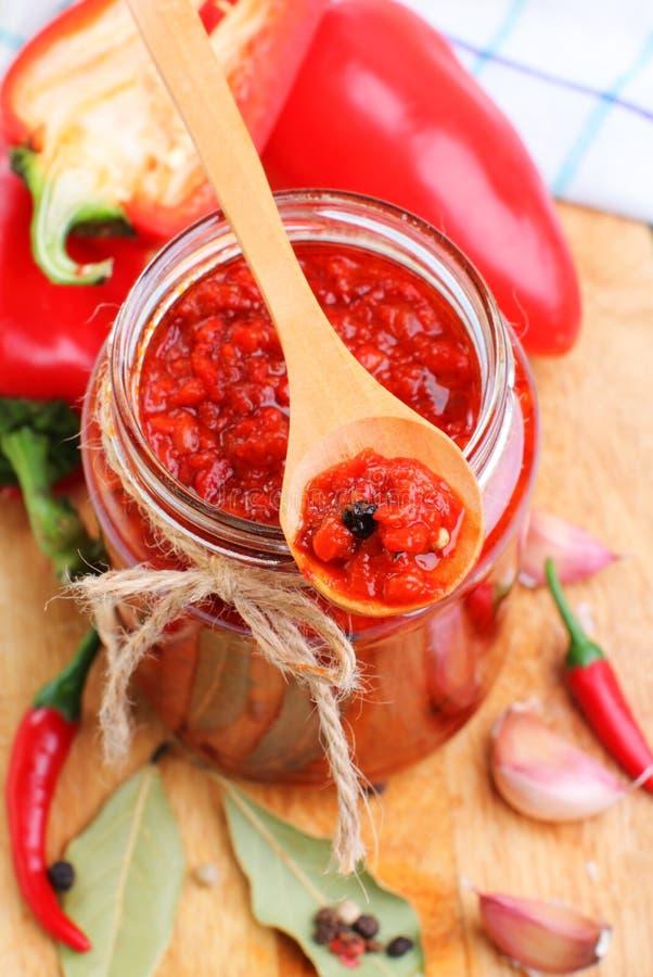 Salsa di pepe del peperoncino rosso rosso fotografia stock