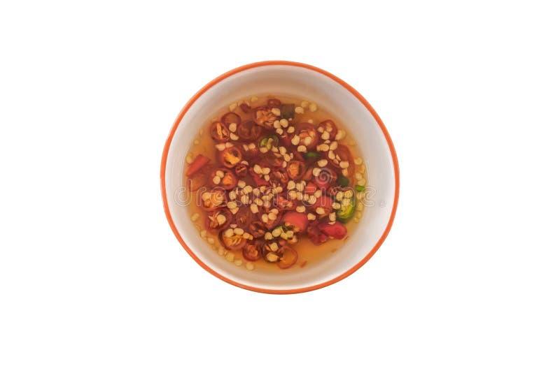 Salsa di pesce e del peperoncino rosso nella tazza immagine stock libera da diritti