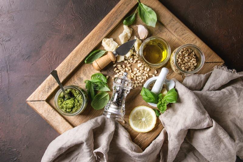 Salsa di Pesto del basilico fotografia stock
