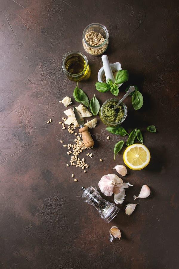 Salsa di Pesto del basilico fotografie stock libere da diritti