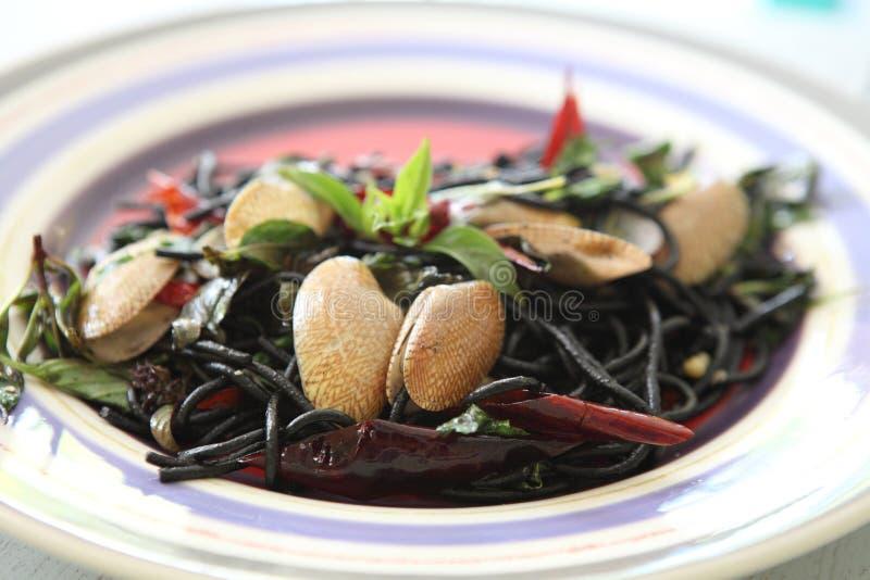 Salsa di vino bianco della pasta dell'inchiostro del calamaro immagini stock