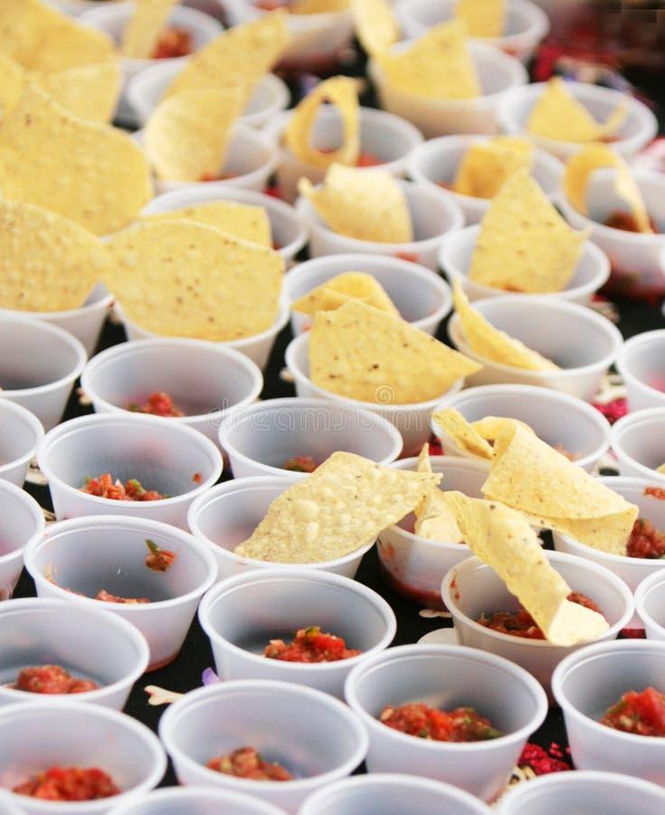 Salsa e microplaquetas fotos de stock