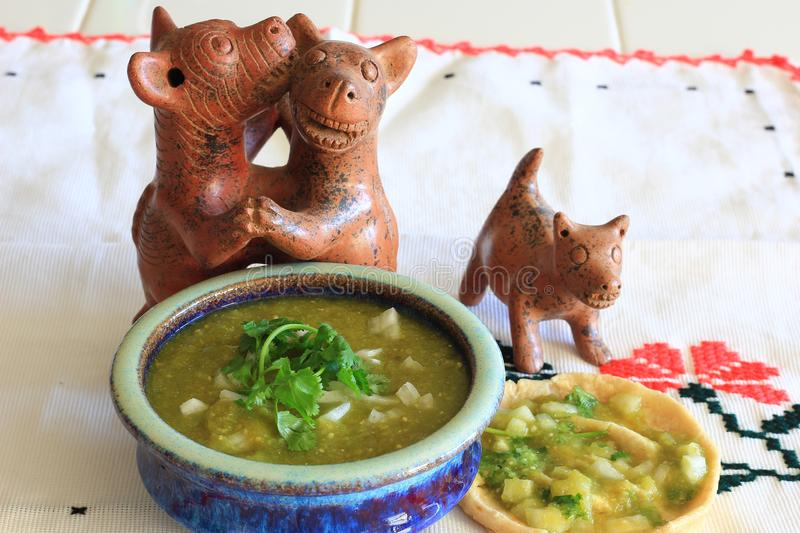 Salsa mexicain Verde et gordita images libres de droits