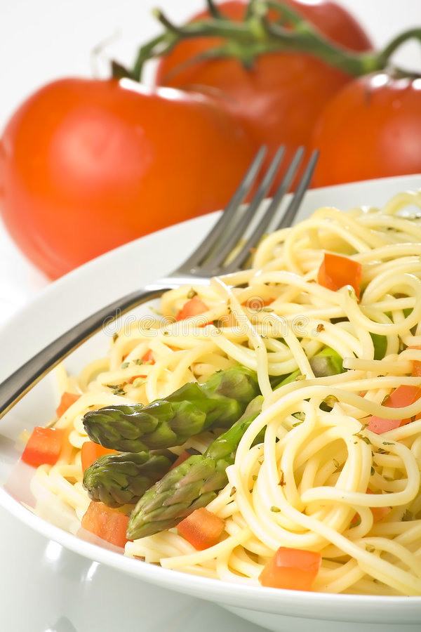 Download Salsa Y Espárrago Frescos Naturales De Tomate Del Espagueti Imagen de archivo - Imagen de cooking, nutrición: 7151489