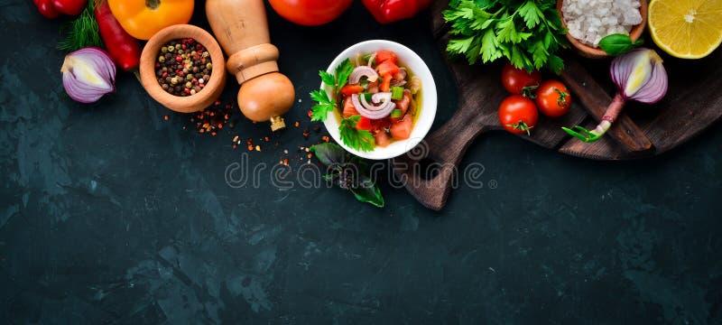 Salsasaus en ingredi?nten royalty-vrije stock afbeelding