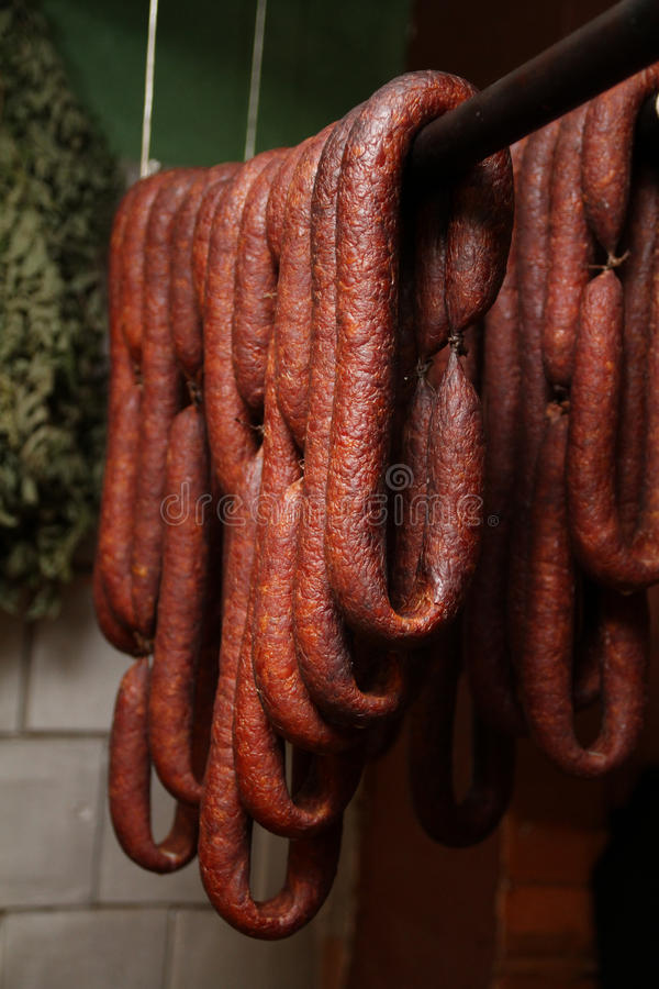 Salsiccia casalinga e rustica immagini stock libere da diritti