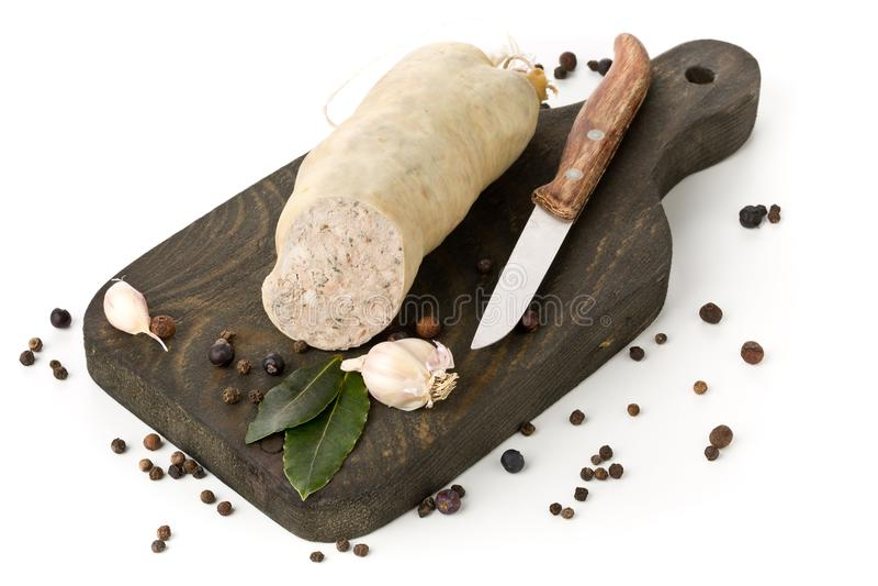 Salsiccia di fegato tedesca Leberwurst di specialità con le spezie sulla b di legno fotografia stock libera da diritti