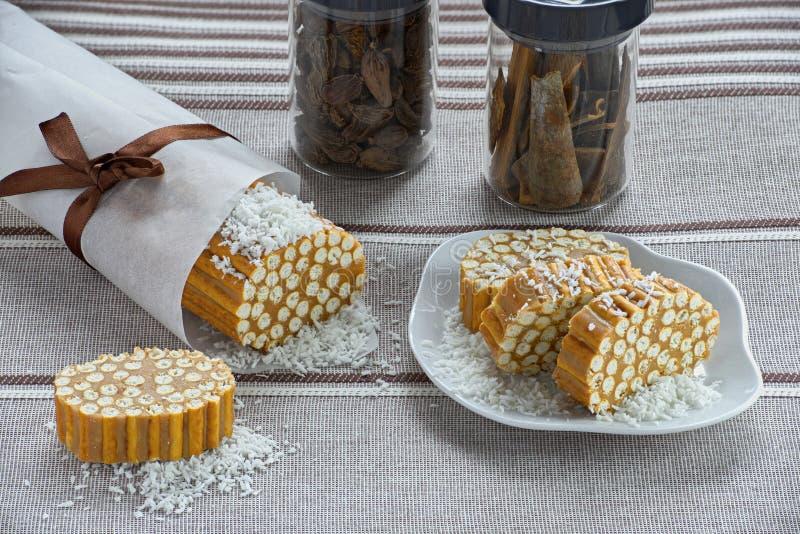 Salsiccia dolce da paglia e da fondente pastosi fotografia stock