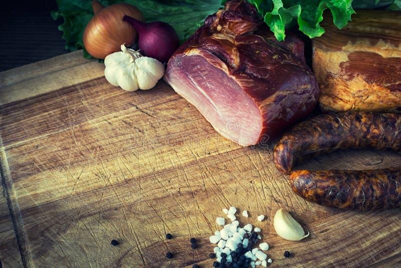 Salsiccia e carne affumicate fotografie stock libere da diritti
