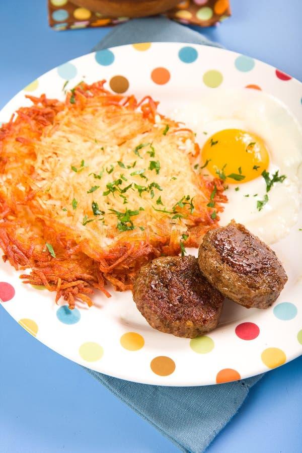 Salsiccia, uova e patate tritate fotografia stock libera da diritti