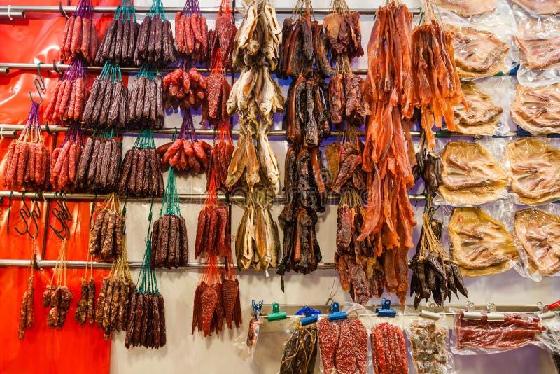 Salsiccie cinesi e carne conservata immagine stock