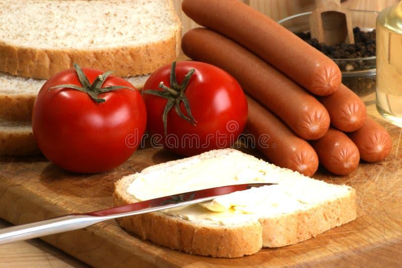 Salsicha, igualmente conhecida como o knackwurst fotos de stock royalty free