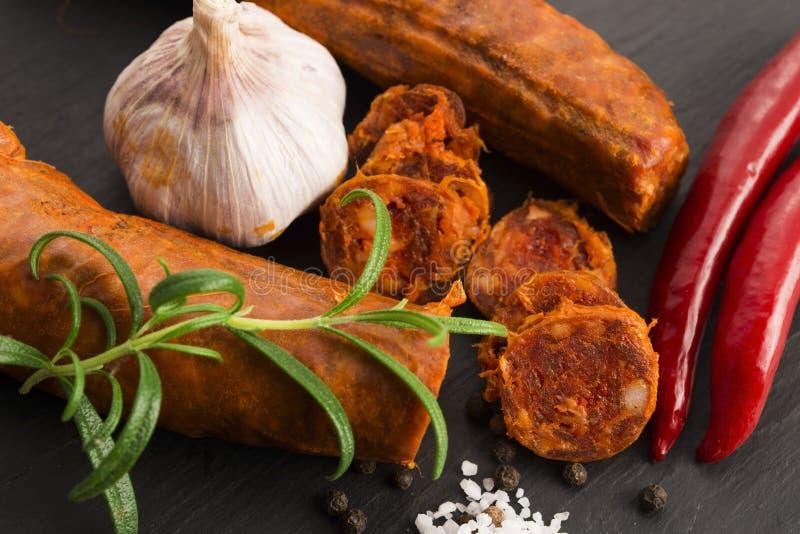 Salsicha tradicional espanhola do chouriço fotos de stock royalty free