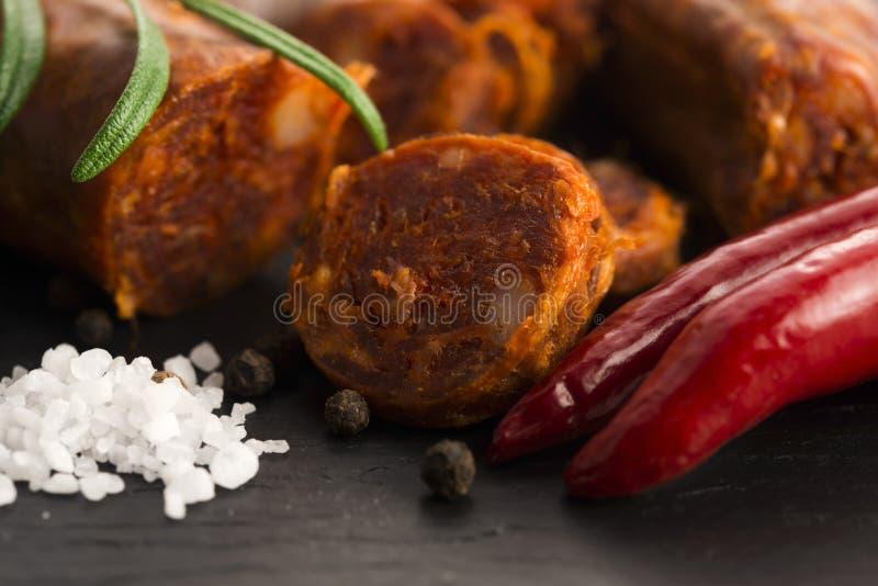 Salsicha tradicional espanhola do chouriço imagens de stock royalty free