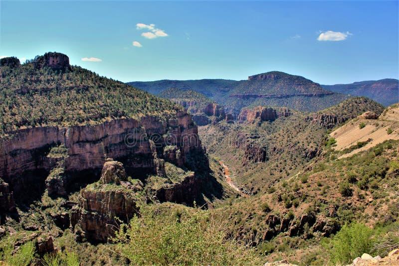 Salt河峡谷,在白色山亚帕基印第安保护区内,亚利桑那,美国 库存图片