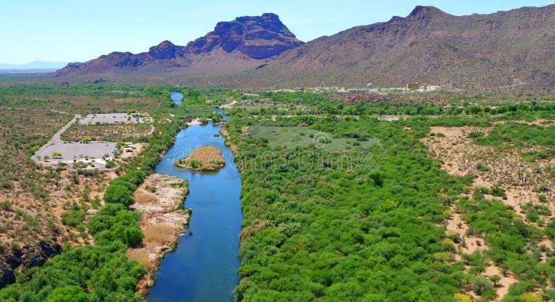 Salt河(里约Salado)视图在亚利桑那 图库摄影