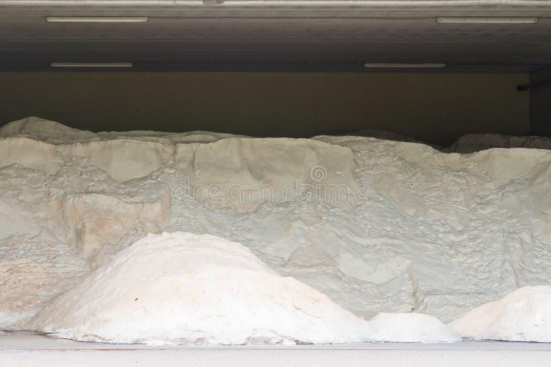 Salt hög av vägen arkivbild