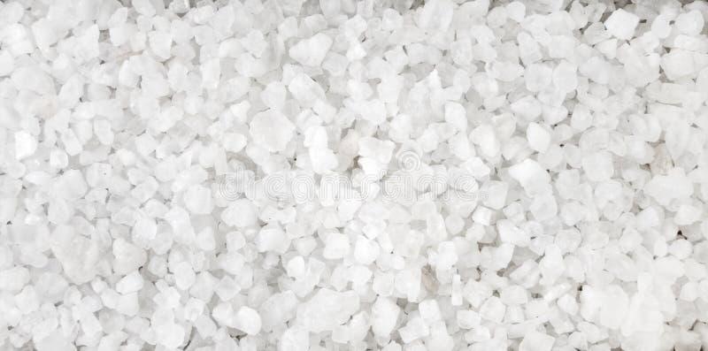 Salt kristallbakgrund för vit Naturlig krydda textur Naturliga kryddor och matingredienser arkivfoton