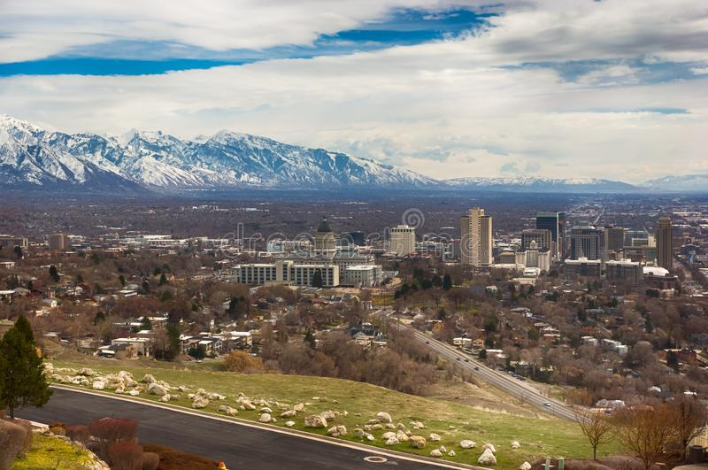 Salt Lake City som ?r i stadens centrum i avst?nd royaltyfria foton