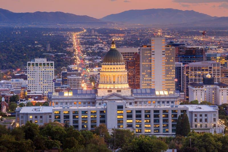 Salt Lake City Utah på natten arkivfoton
