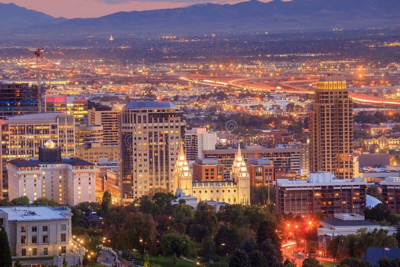 Salt Lake City van de binnenstad, Utah bij nacht royalty-vrije stock foto's